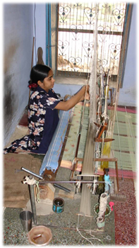 Kaithoon Weaver and Pit Loom